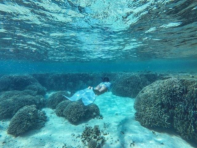 海の中&ビーチで撮った写真を、オシャレに鮮明に加工する方法♡気泡の裏技も!