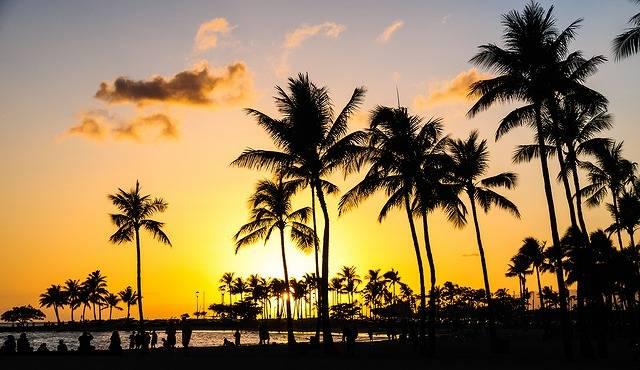 無人島が週末だけハワイに変身!?グルメもキャンプも楽しめるイベントに行ってみたい♡