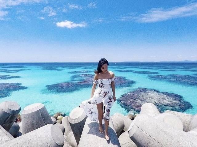 本当に日本!?沖縄・波照間島の「ニシ浜」が絶景すぎる!