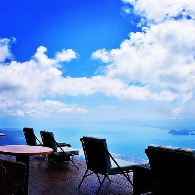 どこまでも広がる青!天空の絶景を眺めに一生に一度は行きたい♡