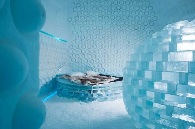 最高の冬が過ごせる!ブッキング・ドットコムおすすめ、世界のイグルーとアイスホテル5選