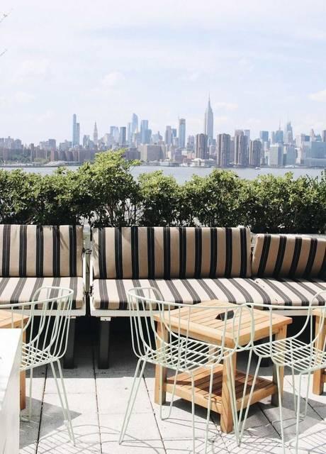 ニューヨークの夏にオススメ!マンハッタンの絶景を眺めるブルックリンのルーフトップバー