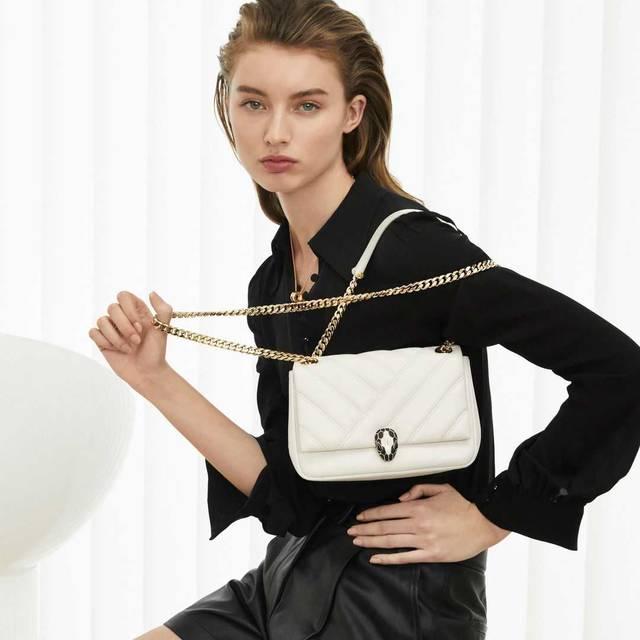 ブルガリから宝石のように美しくエレガントな新作バッグが誕生