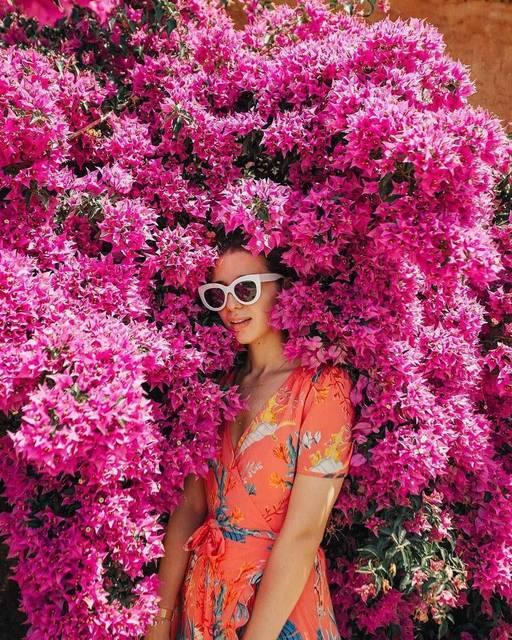 【THE GENIC Vol.314】花の壁に埋もれすぎてるショットが可愛い♡