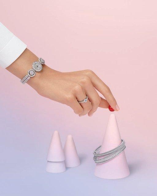 ヴァン クリーフ&アーペルのダイヤモンドで煌めくホリデーシーズン♡