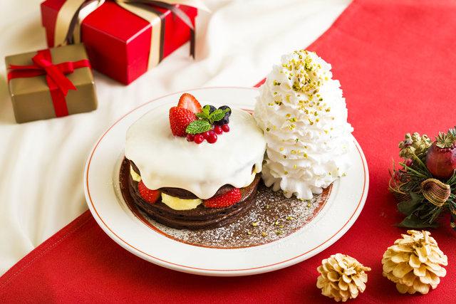 Eggs 'n Thingsの期間限定クリスマスショコラショートパンケーキ♡雪のように真っ白なクリームたっぷり!