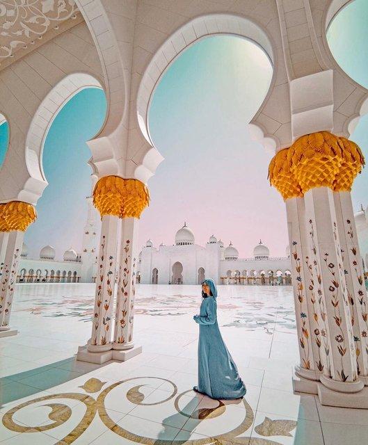 ドバイからも行きやすい!アブダビの由に入れる美しいモスク