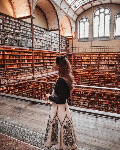 オランダを代表する美術館の中にある世界で最も美しい図書館