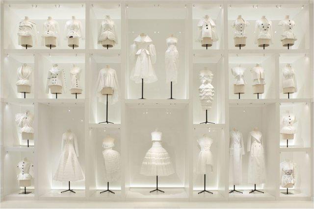自宅で楽しむ「クリスチャン・ディオール、夢のクチュリエ」展の世界