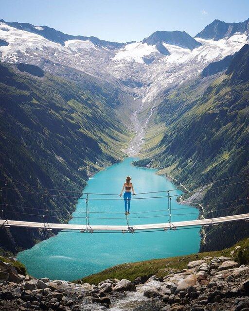 オーストリアの山と湖を独り占めできる特等席