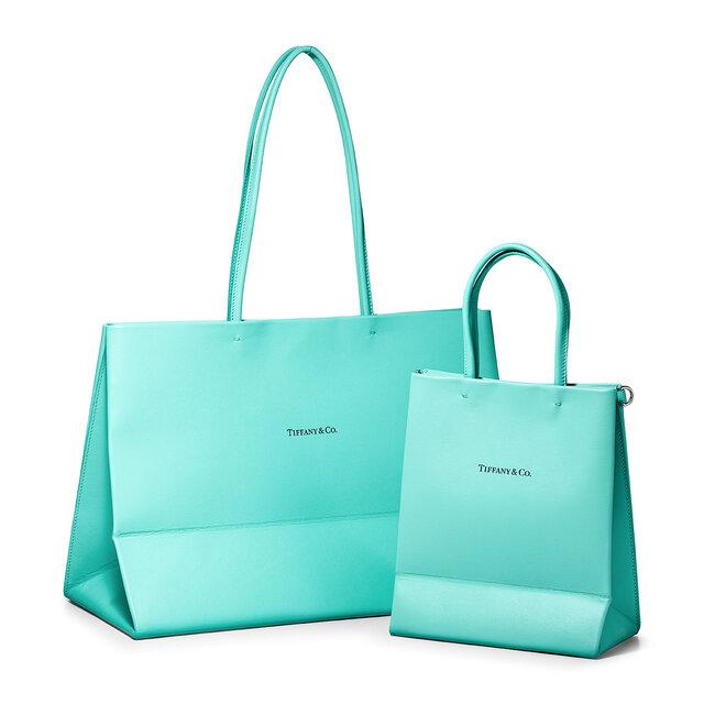 ティファニーのアイコニックなショッピングバッグがレザーバッグに!日本限定サイズも