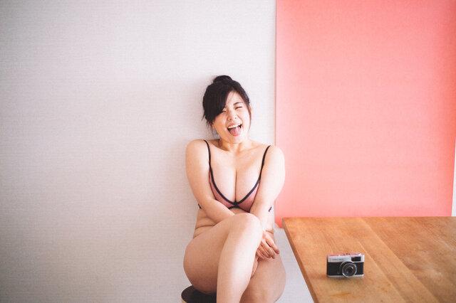 【恋する目線のシューティング #3】花盛 友里(フォトグラファー)