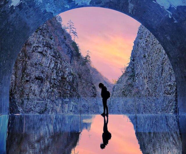 絶景×リフレクション×アートを楽しむ!新潟「清津峡渓谷トンネル」