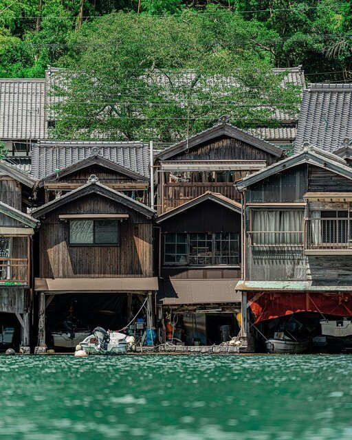 江戸時代から続く美しき景観「伊根の舟屋」