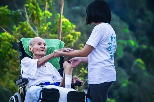 介護の仕事、ケアマネジメントの価値を報酬に反映させよう/服部万里子(連載82)