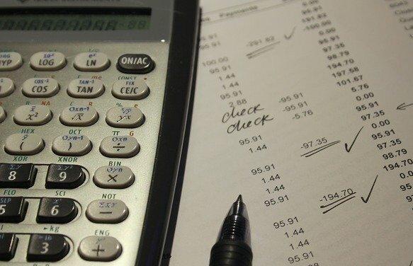 介護保険料算出ミスのツケを給付抑制にまわすな/服部万里子(連載87)