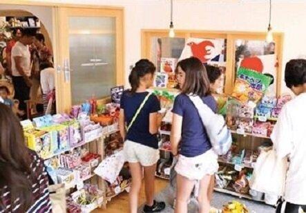 住宅内に駄菓子屋/サ高住 「銀木犀 船橋夏見」(船橋市)