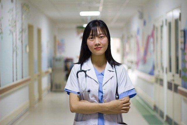 休業中の異業種従業員を介護施設で雇用