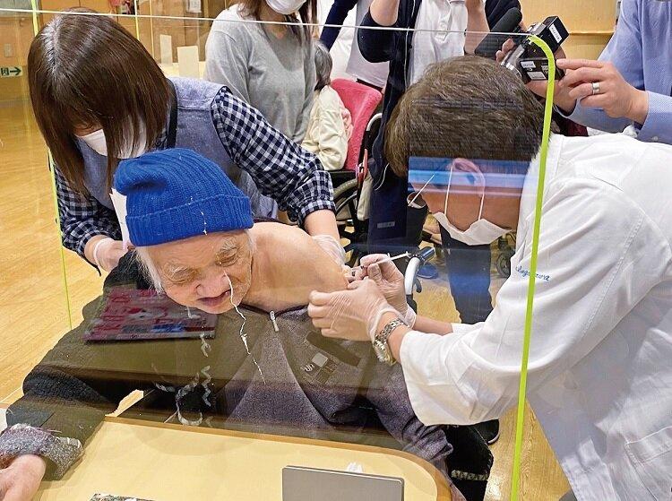 新型コロナ 高齢者施設でのワクチン接種