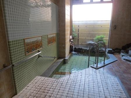 古くから名湯と伝えられる湯河原の温泉を楽しめる