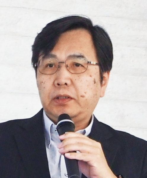 小濱介護経営事務所代表 小濱道博氏