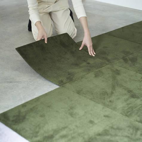 100%ウール。簡単に床をつくれるDIYカーペットブランド|WOOLTILE