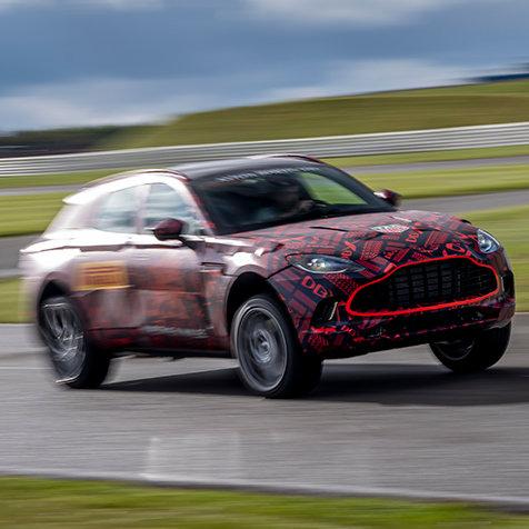 ヴァンテージを上回るパワー──アストンマーティン、初のSUV「DBX」のエンジンスペックを発表|Aston Martin