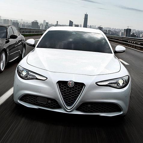 ジュリア スーパーに月額5万5,000円のリースプログラムが登場|Alfa Romeo