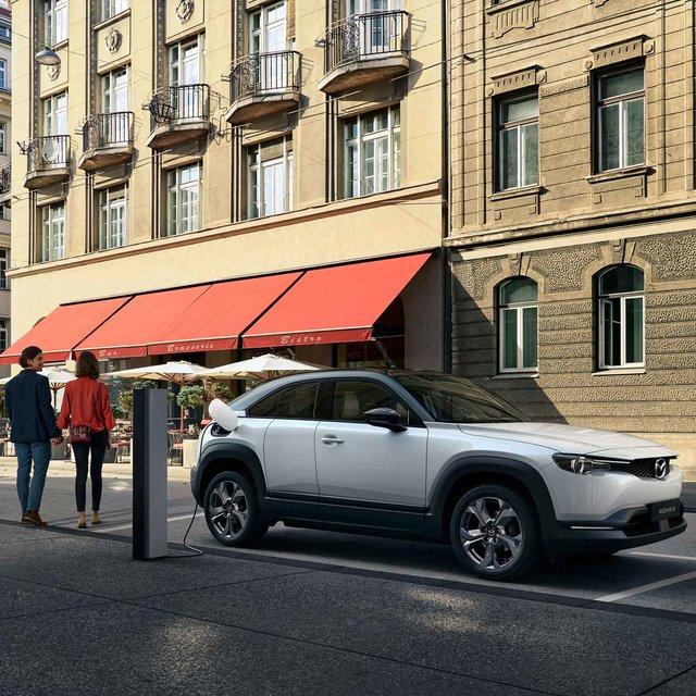 マツダ初となる量産EV「MX-30」が東京モーターショー2019でワールドプレミア|Mazda