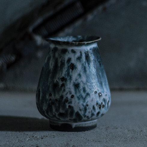 陶磁器デザイナーのセルフメイドブランドから実験精神にあふれた新作が登場|REDUCTION FACTORY