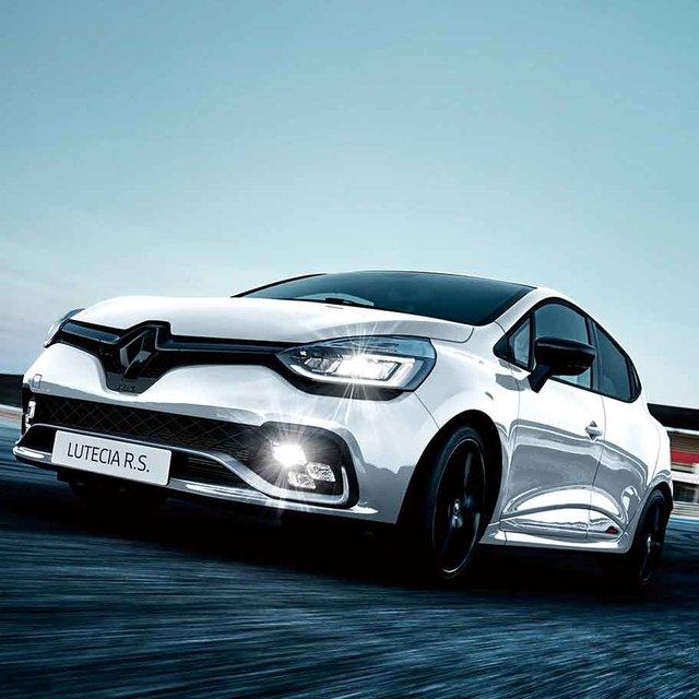 レーシングカー直系の走りを楽しめるホットハッチ──現行ルーテシアR.S.トロフィーに最後の限定車|Renault
