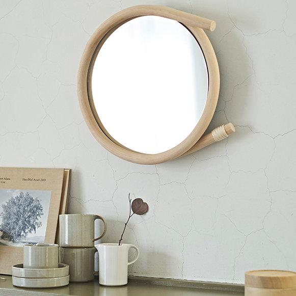 籐工芸の技術を用いた、壁掛けのミラー「wawa」にLサイズが登場|nuskool