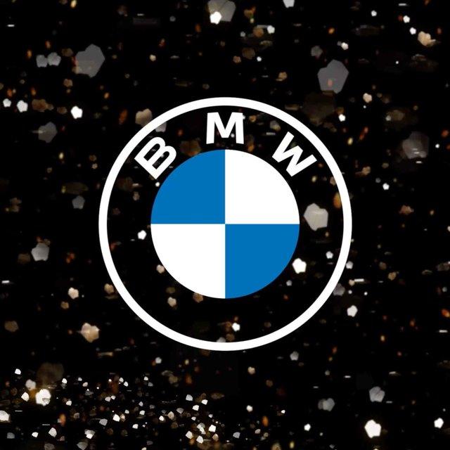 開放性と透明性の意味を込めて──BMWが新しいブランドロゴを導入|BMW