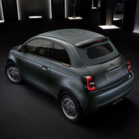 ジョルジオ アルマーニが世界に1台のカスタムメイド電気自動車を発表|GIORGIO ARMANI