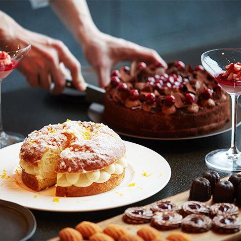 季節のフルーツを使ったデザートをコースで楽しむ「ドルチェ in アルヴァ」|AMAN TOKYO