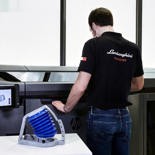 ランボルギーニ、新型コロナウイルス蔓延を受け人工呼吸器メーカーの製造を支援|Lamborghini