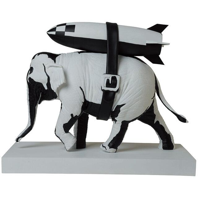 忠実にステンシルを再現した オリジナルバージョンの象が登場