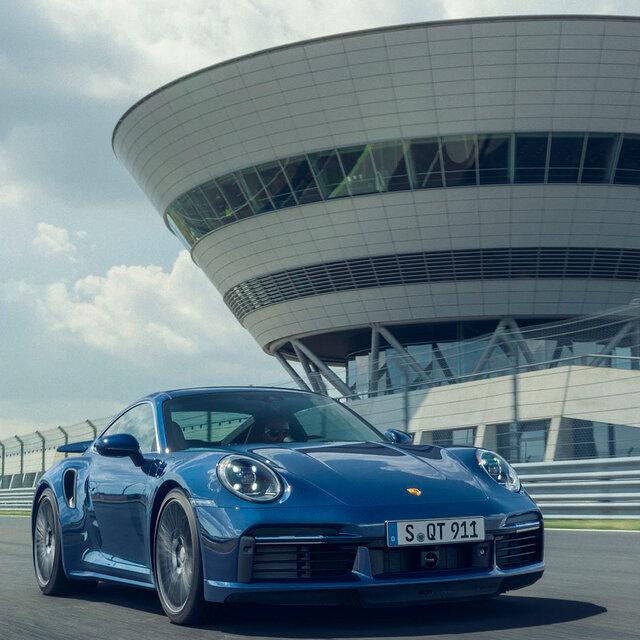 新型ポルシェ911ターボが日本デビュー|Porsche