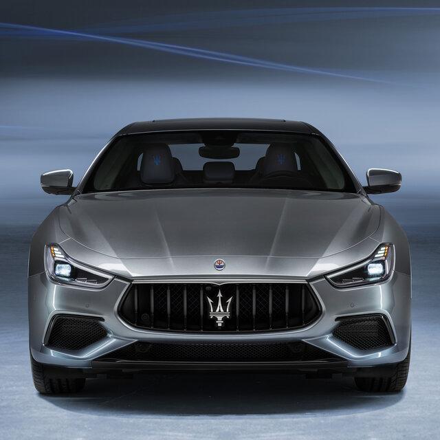 マセラティ、同社初のハイブリッドモデル「ギブリ ハイブリッド」を発表| Maserati