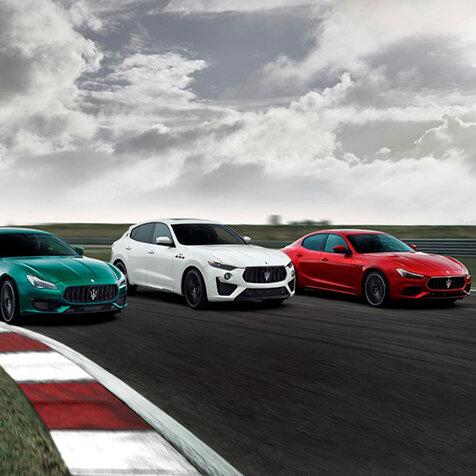 マセラティ ギブリとクアトロポルテにもフェラーリ製V8搭載の「トロフェオ」登場|Maserati