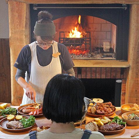 薪火で料理を楽しめる新コテージが誕生|KITA-KARUIZAWA Sweet Grass