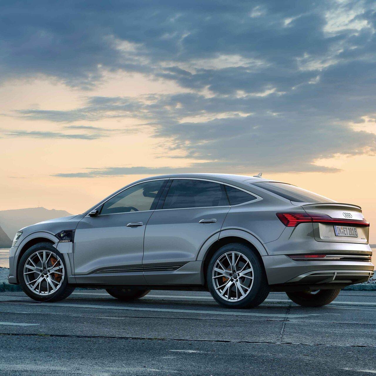 アウディ電動化攻勢の尖兵、アウディ「e-tronスポーツバック」が発売 Audi