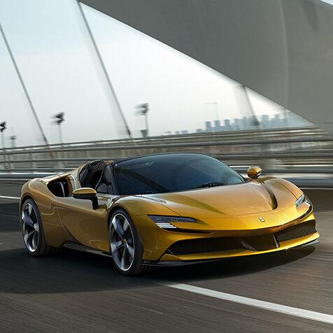 フェラーリの量産型オープンPHEVモデル「SF90スパイダー」がデビュー|Ferrari