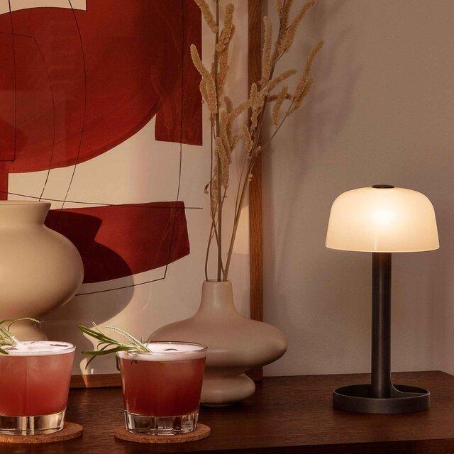 ブランド初となる照明はUSB充電式のコードレス卓上ランプ|ROSENDAHL COPENHAGEN