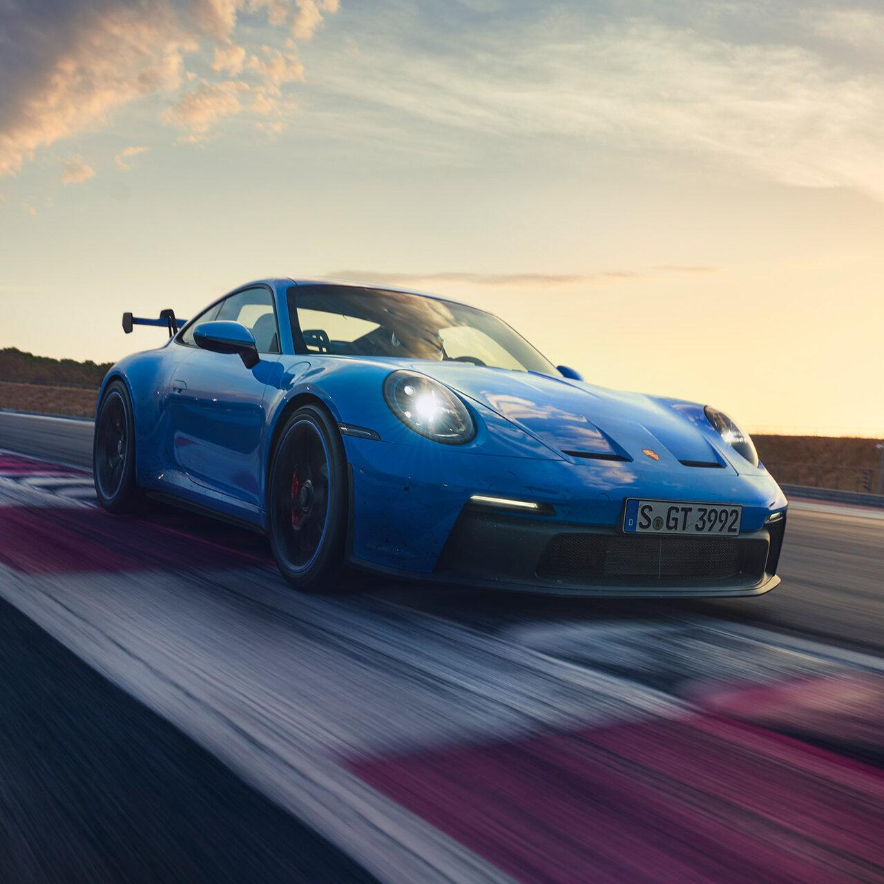 ニュル7分切りを記録──ポルシェ、レーステクノロジー満載の新型「911 GT3」発表|Porsche