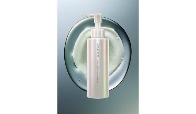 洗い上がりの肌で悦びを感じ取る新しいクレンジングオイル|SUQQU