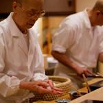 ミシュラン三ツ星シェフが日本の名店を巡る美食ドキュメンタリー『世界が愛した料理人』|MOVIE