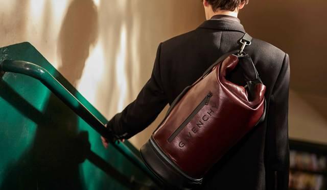 ジバンシィの新作「JAW」バッグが登場|GIVENCHY