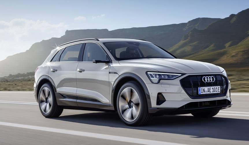 アウディが初の量産EV「e-tron」を発表 Audi