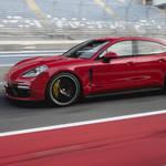 ポルシェ パナメーラにパワフルな新型GTSを追加|Porsche